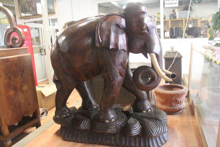 Scultura elefante in legno Usato a Milano | InAndOut