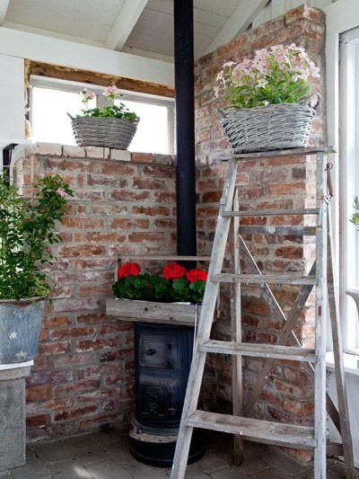 Av Anna Truelsen Foto Carina Olander  En härlig vårdag förra året, eller rättare sagt en ganska så blåsig vårdag, så stylade jag upp Per ...