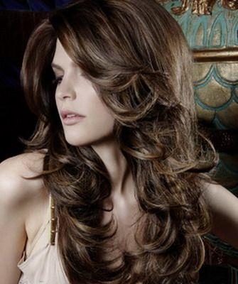 Прически и стрижки на длинные кудрявые волосы и их фото