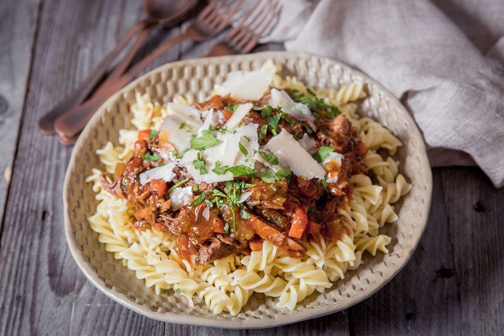 Braised beef ragù on fusilli - Make delicious beef recipes easy, for any occasion