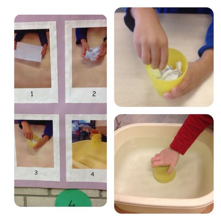 Proefje papier droog houden onder water