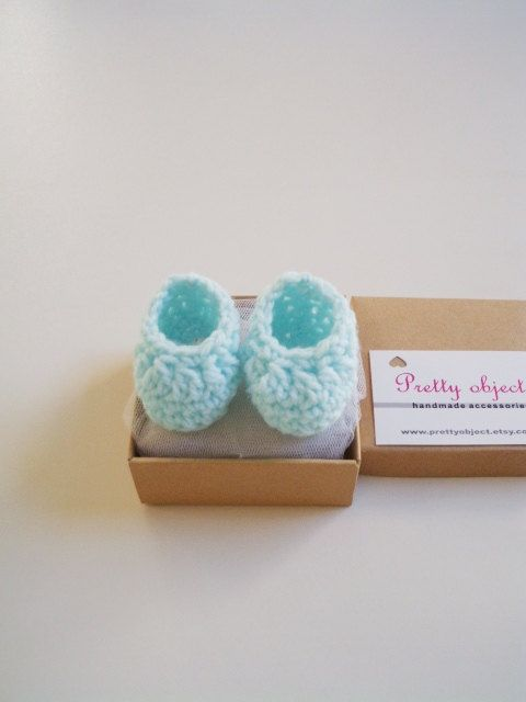 Crochet newborn booties baby shoes box by prettyobject on Etsy