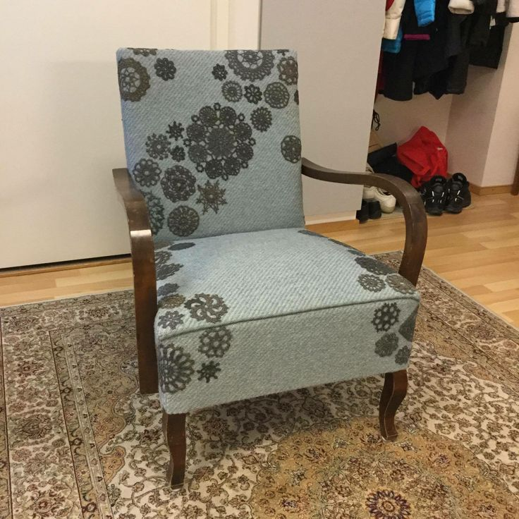 Tuoli 2