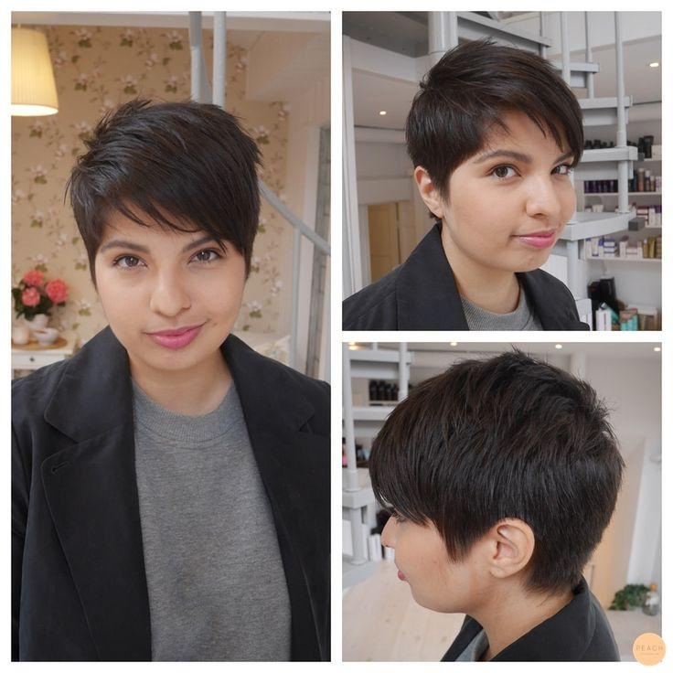 Den här modiga tjejen kom med hår till midjan (svep för förebild) och hade ett kollage med pixie cut bilder med sig. Be