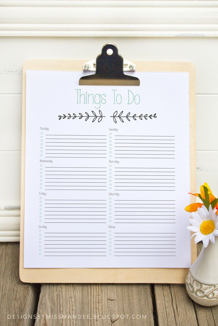 "Printable ""To Do List"". I TOTALLY need this right now. I'm going to put mine in a picture frame and use a dry-erase marker to write on it each week. :)"