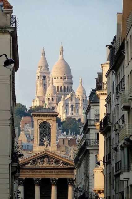 View from Boulevard Haussmann, Paris / France (by fede_gen88).