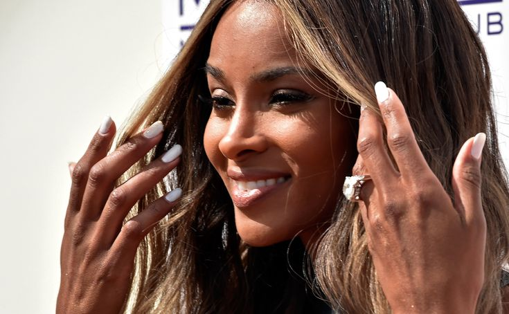 Celebrity Engagement Rings: The Biggest, Brightest, and BlingiestRocks   StyleCaster