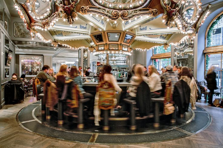 The revolving Carousel Bar & Lounge at the Hotel Monteleone in New Orleans, where Hemingway, Faulkner and Tennessee Williams all enjoyed drinks. (Photo: William Widmer for The New York Times)