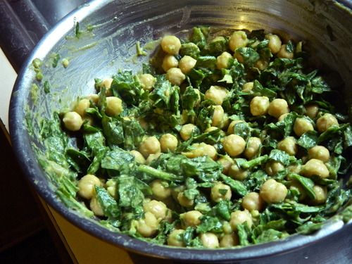 5 Ingredient Lemon Basil Chickpeas - chickpeas, avocado, lemon, fresh basil, fresh spinach