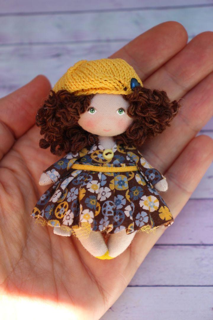 Maison de poupées rose de bébé Bonnet Fille Chapeau miniature échelle 1:12 Nursery Accessoire