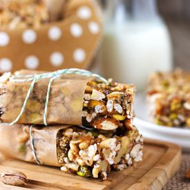 """I just made these... I replaced brown rice syrup for honey and almond butter for sunflower seed butter because that's what I had! They came out really good! Homemade """"Kind"""" Breakfast Bars"""