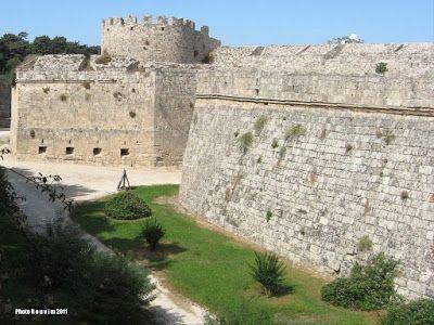 ΡΟΔΟΣυλλέκτης: Το κάστρο της Ρόδου και Δομικά, Αρχιτεκτονικά, Οχυ...