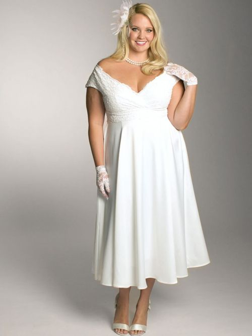 Short Empire Lace Plus Size Wedding Dress with Short Sleeves PS105