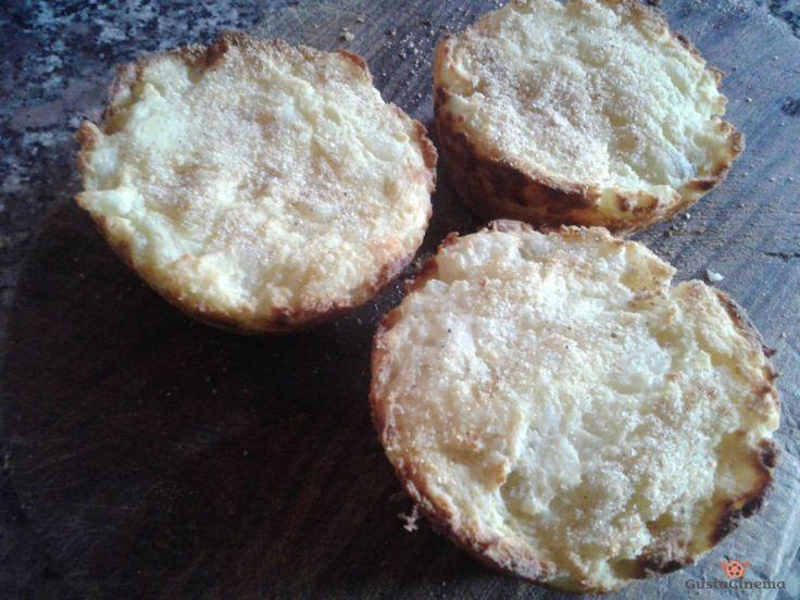 Tortini di patate e ricotta sono dei gustosi e sfiziosi contorni monoporzione, facili e veloci da preparare.