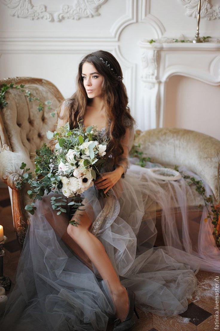 Свадебный венок из кристаллов пудровый / свадебное украшение прически - белый, украшение для невесты