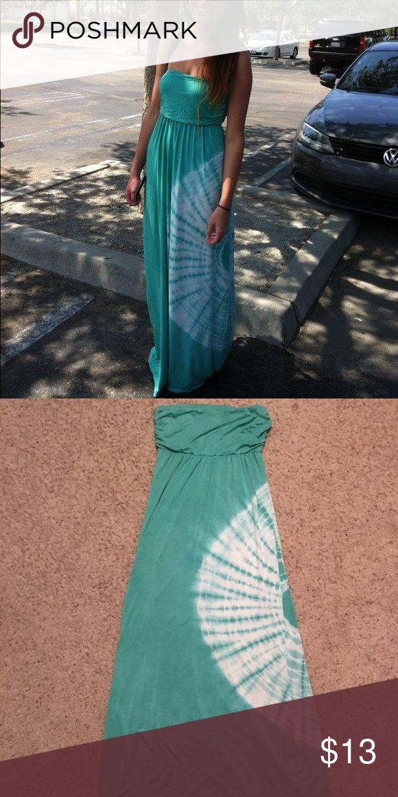Stella Laguna Beach Maxi Dress Teal maxi dress from Stella Laguna Beach. Has a white tie-dye circle on the side of it and is strapless. Stella Laguna Beach Dresses Maxi