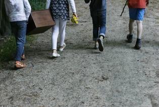 Geheimzinnige schatkist, kinderfeestje Nieuwkoopse Plassen. Met roeibootje naar eiland. Natuurmonumenten