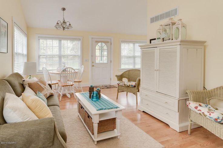 47 best mansion mondays images on pinterest mansion for Beach house designs south haven mi