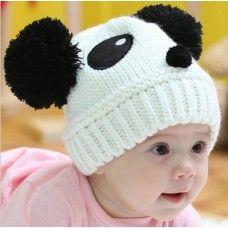 Füles panda kötött sapka babáknak, gyereknek. Kényelmes, puha, meleg és nagyon cuki ajándék!