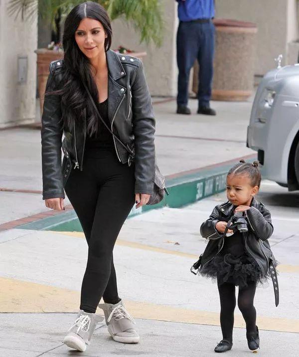 Look mãe e filha da Kim e North. Muito amor <3