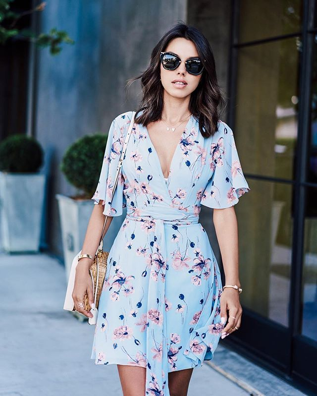 Pin for Later: 19 Flattering Summer Outfits For Girls With Big Breasts A Floral Dress With Bell Sleeves
