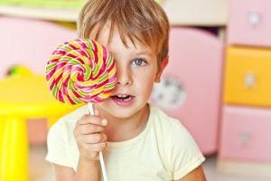 Παιδί και γλυκά: Όσα πρέπει να ξέρουν οι γονείς