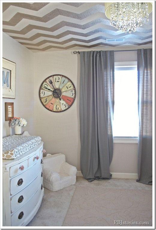 Baby girl s nursery the big reveal gosto cortinas for Cortinas transparentes