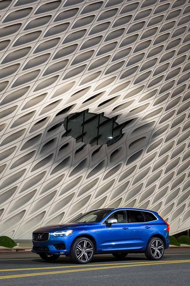 Bursting Blue Volvo Xc60 R Design At The Broad An Artist S