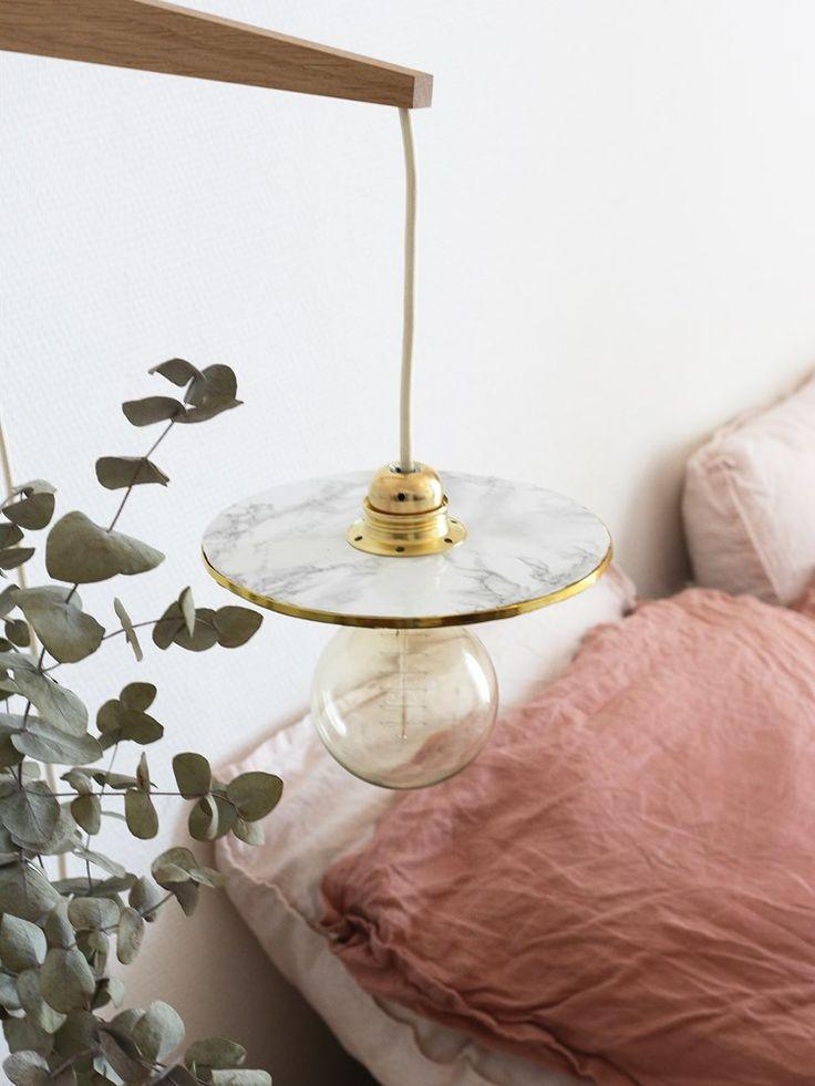 diy une lampe applique fa on baladeuse doityourself. Black Bedroom Furniture Sets. Home Design Ideas