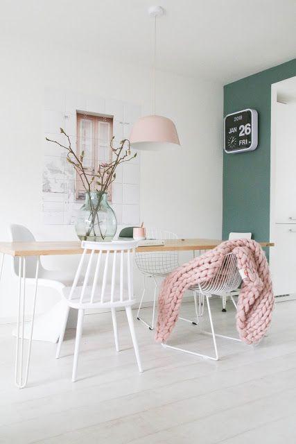 Einrichtung im scandi Look in weiß, grün und rosa
