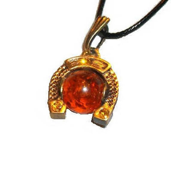Horseshoe necklace Amber jewelry Horseshoe Amber pendant gold red Evil eye Rrotection necklace Amulet Catch luck pendant for man girl woman by BalticAmberJewelryRU on Etsy
