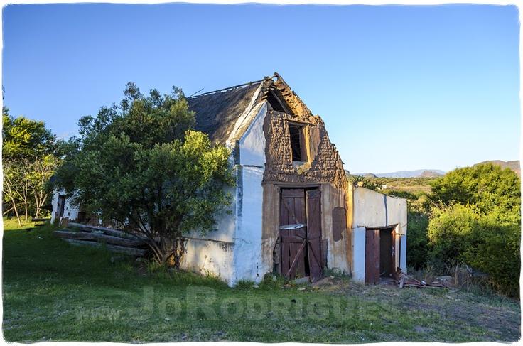 2012/01/15 - An old barn, shot in the Karoo.
