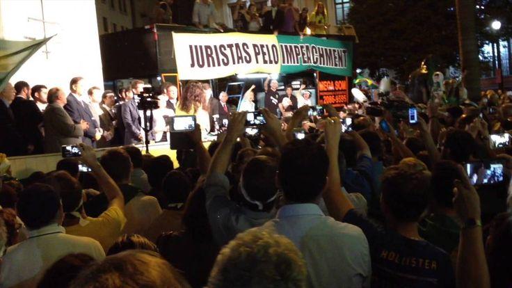 Discurso pró-impeachment da Dra. Janaina Paschoal no Largo São Francisco...