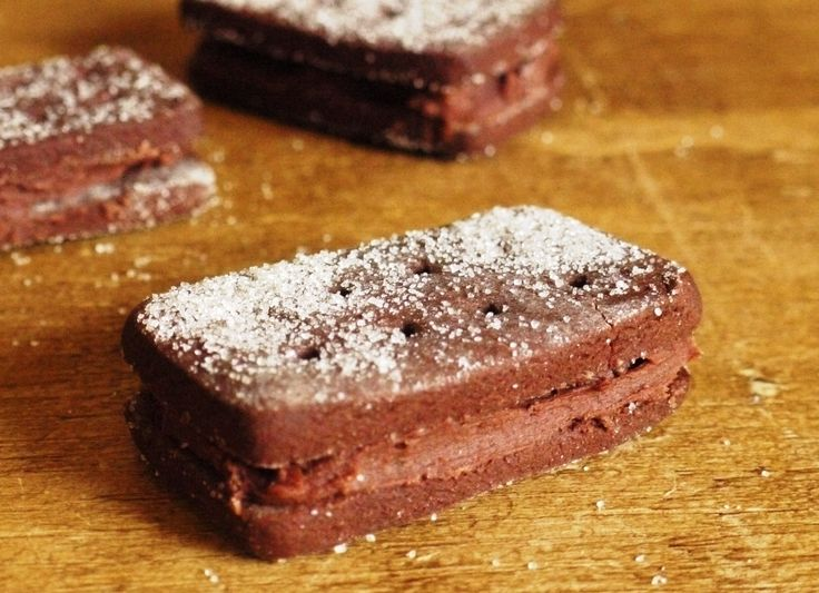 As soon as I have a spare hour and can grab the ingredients... I'm making these!