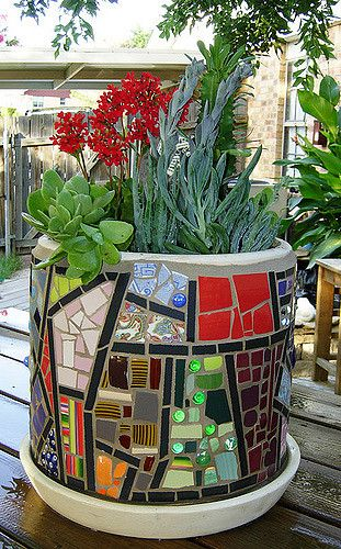 planter w-plants3 | mosaic planter with succulents June 08 | Samra Thompson | Flickr