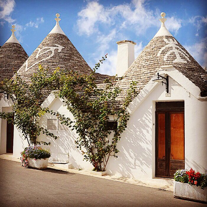 #HappyNewYear from one of the most #beautiful place in #Italy! #Trulli #apulia #love #Puglia #OliveOil  www.extravirginshop.com