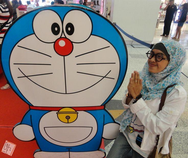Doraemon, minta alat untuk penyemangat ngerjain skripsi dooong~ :))