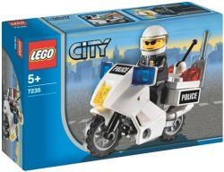 Best Lego City Police Sets Review | Christine's Product Reviews This 28 piece set features a police officer mini-figure and everything needed to build a motorcycle. It goes well with the Lego City Police Station or you can give it as a party favor.