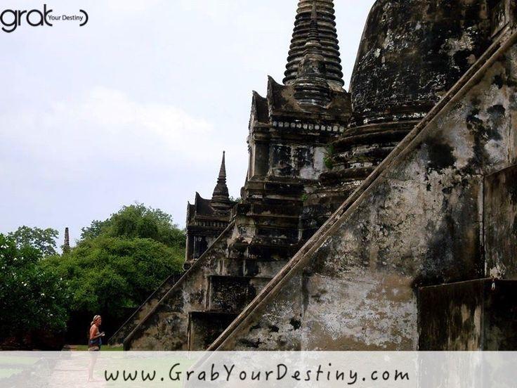 Exploring The Old City of Ayutthaya - Phra Nakhon Si Ayutthaya #Ayutthaya #Thailand #GrabYourDestiny #Travel #Temples