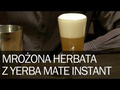 Poradnik: Jak zrobić dobrą mrożoną herbatę Ice Tea z Rooibosa domowym sposobem Yerba Mate Pajarito Instant zgodnie z przepisem powinno się parzyć na ciepło, ale z naszych obserwacji wynika, że jest zdecydowanie lepsza na zimno – jako herbata mrożona. Zgodnie z naszym przepisem bierzemy 2 łyżeczki Yerba Mate Instant i wsypujemy do shakera...