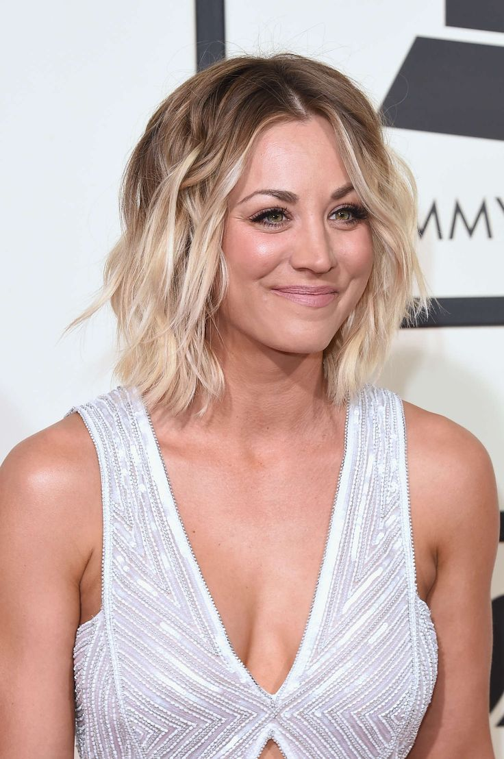 Kaley Cuoco in Naeem Khan at The 58th GRAMMY Awards