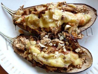 Баклажаны в духовке - с сыром и сосисками
