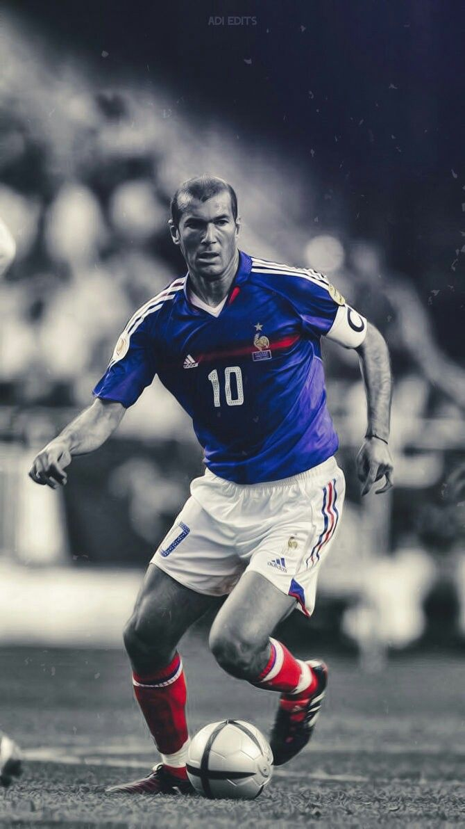 Pin By Joe Guilian On Goldorak Zinedine Zidane Best Football Players World Football