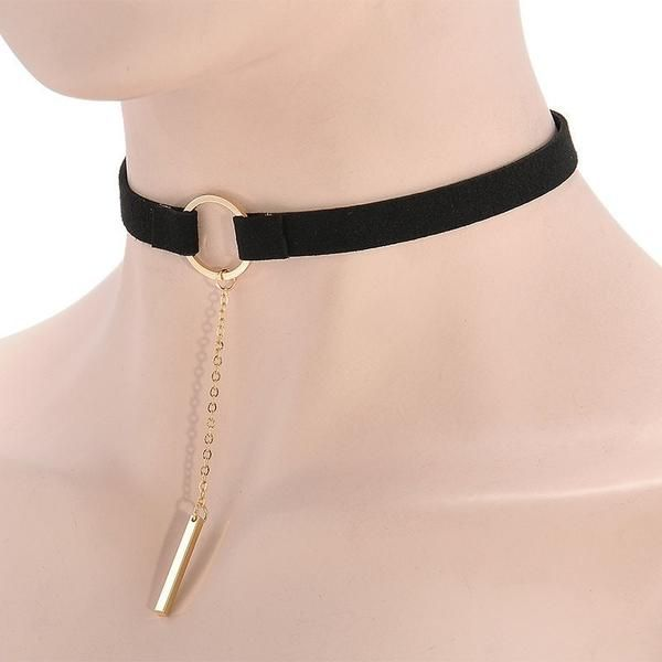 Are you part of the choker craze? Then this gorgeous choker is a Must have!