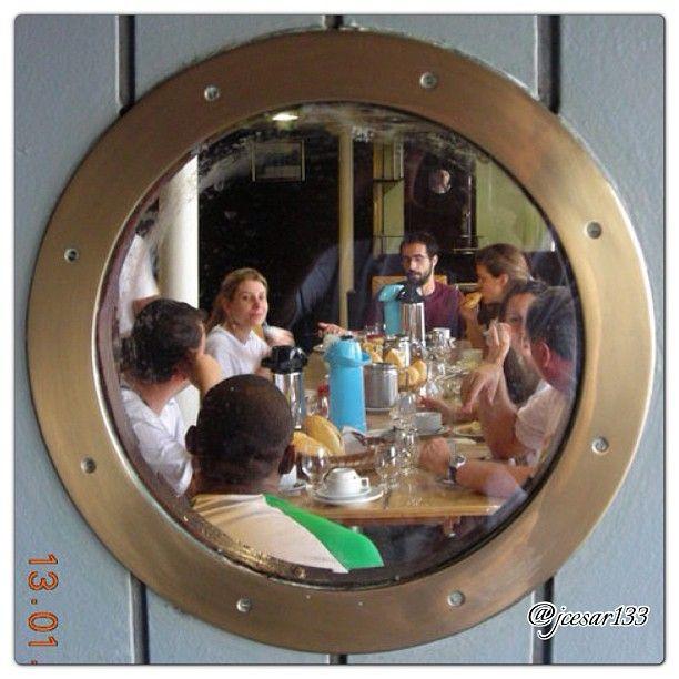Café da Manhã no Navio