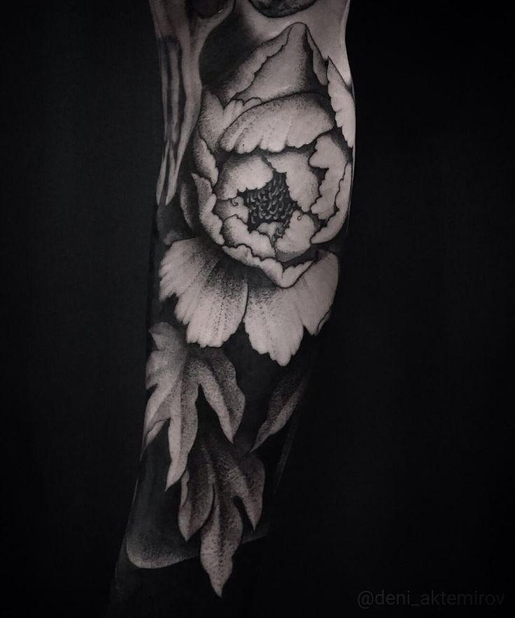 Deni Akemirov @deni_aktemirov BLACKOUT tattoo collective @blackouttattoocollective #blackouttattoocollective