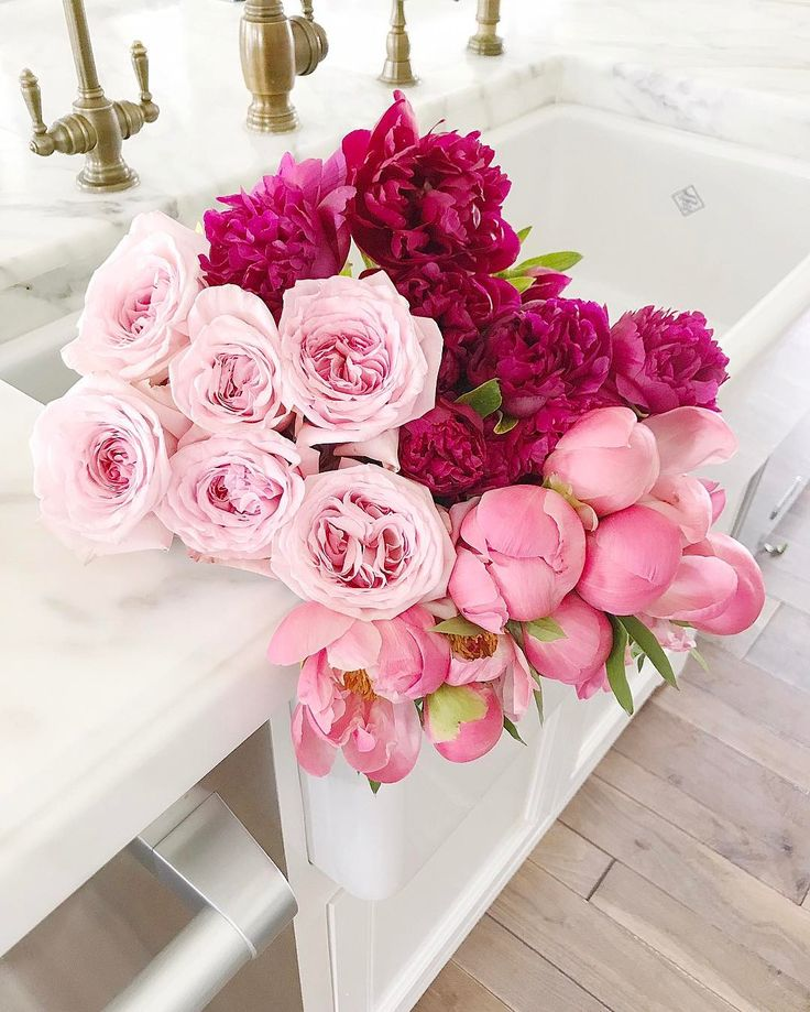 "17.6k Likes, 175 Comments - Rach Parcell (Pink Peonies) (@rachparcell) on Instagram: ""Flower Friday!! Garden roses and Peonies for the weekend!  #friday #peonyseason #freshblooms"""