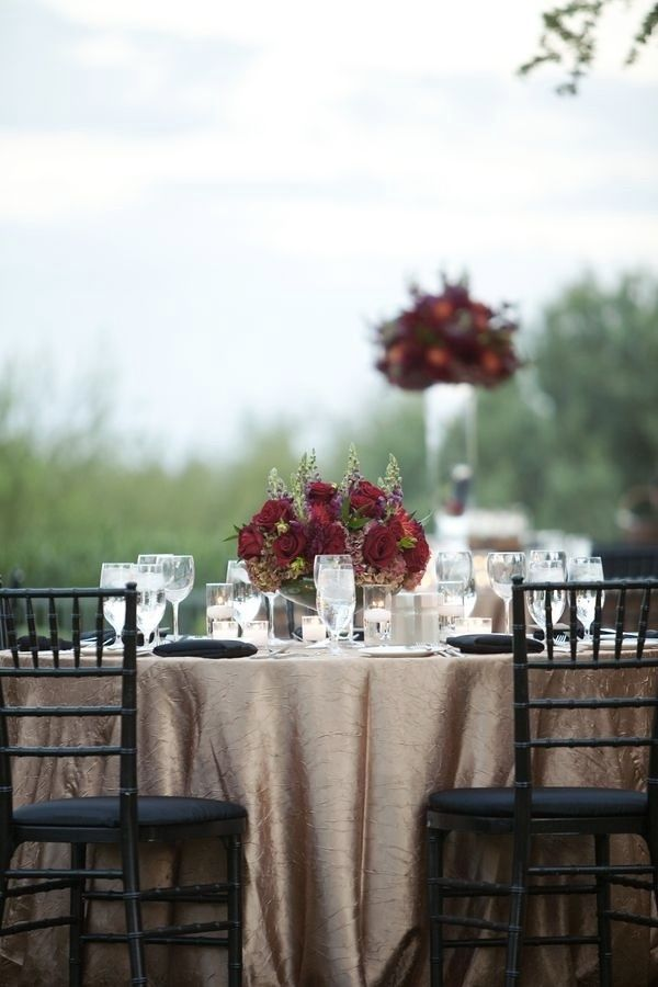 afternoon tewedding theme ideas%0A Gold and red wedding decor red roses centerpieces