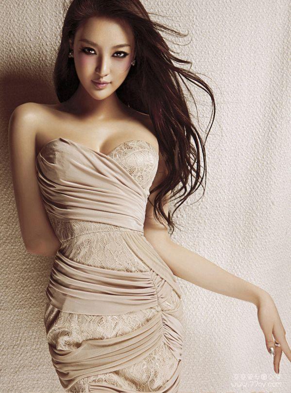 developing Asian girls bodies