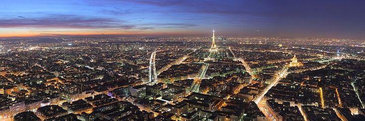 Parijs is 105,4km2, et 6 heures de route de Uterecht. (6 uur rijden vanaf Uterecht).